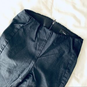 Theory Cropped Twill Pants in Black